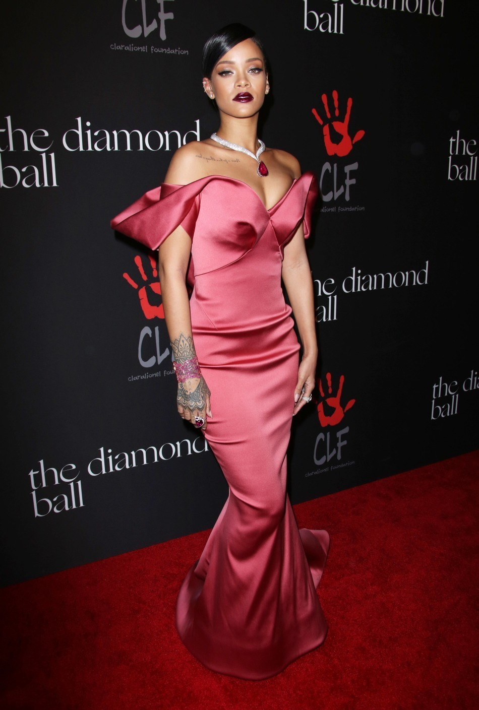 Hermosa Rihanna Vestido De Fiesta Inspirados Patrón - Colección de ...