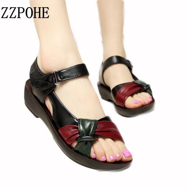 ZZPOHE Mãe 2017 verão sapatos sandálias flat mulheres com idade entre fundo de couro Macio cores misturadas sandálias da moda confortáveis sapatos velhos