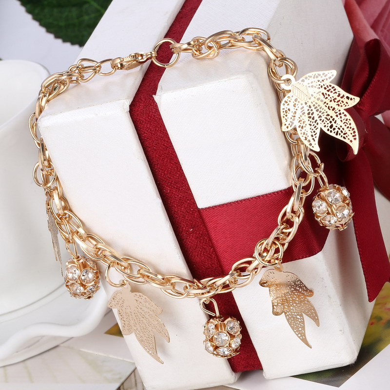 Brilliant Leaves Pendant Bracelet Fashion Delicate Chain Bracelet For Women Pretty Synthetic Rhinestone Bead Jewelry