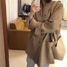 Fashion 2019 Spring New Casual Loose Suit Women Double Breasted With Pockets Plaid Print Elegant Jacket