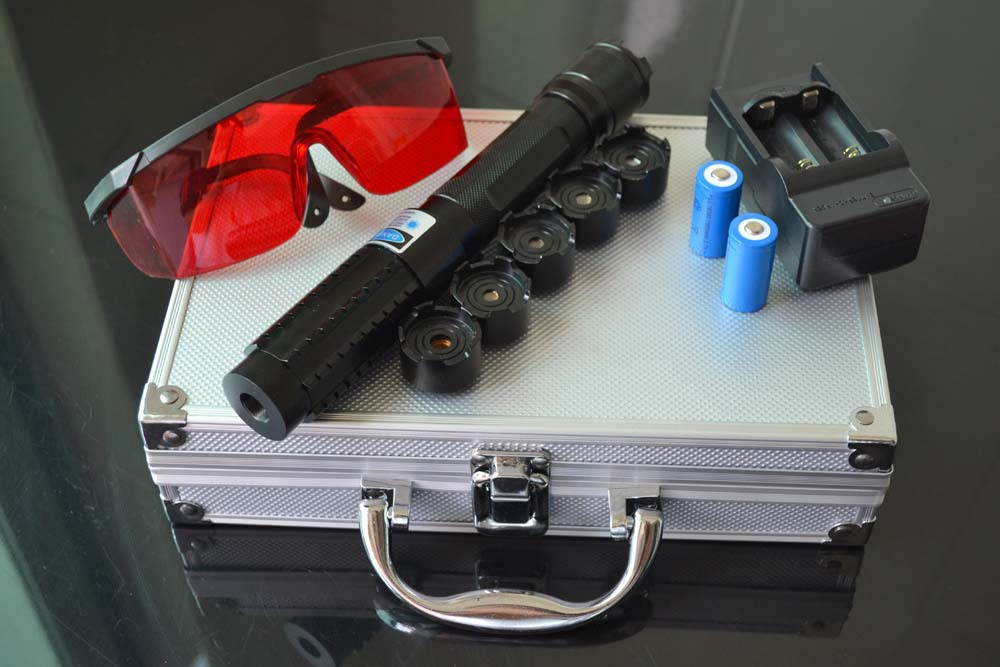 ФОТО 1000mW 445nm handheld blue laser with five laser heads 2pcs 16340 battery 1 laser glasses one battery charger and aluminium box