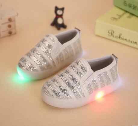 AI LIANG เด็กใหม่ 4 สี LED Light รองเท้าผ้าใบเด็กหญิง USB Charge Luminous รองเท้าเด็กกีฬารองเท้าวิ่งรองเท้ารองเท้าเด็กรองเท้า LED