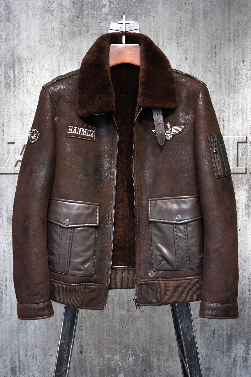 b4f283754 US $799.0 |Red Brown Shearling Flight Jacket Military Style American  Pilot's Le Bomber B3 Men's Shearling Coat Men's Fur Coat -in Genuine  Leather ...