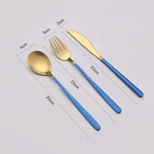 Image 5 - Niebieski zestaw złotych sztućców ze stali nierdzewnej zachodniej stołowe łyżka widelec nóż w odniesieniu do żywności fotografia tło tło do zdjęć rekwizyty