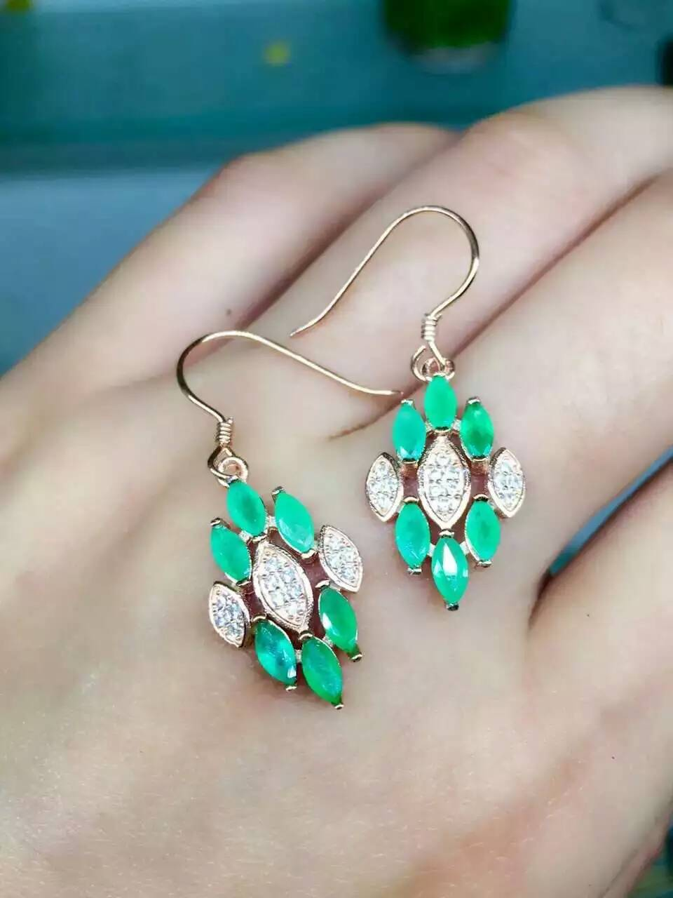 цена на natural green emerald earrings 925 silver Natural gemstone earring women fashion elegant diamond earrings for party