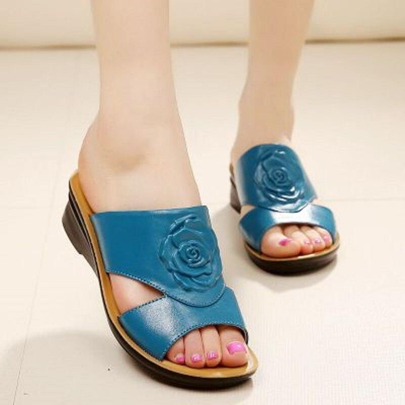 Femme 41 Plat Mère red Zzpohe Âgées En blue Taille Cuir D'été Fond Dames Black Pantoufles Chaussures 2017 Mou Pente Grande xnqa7BCwqP