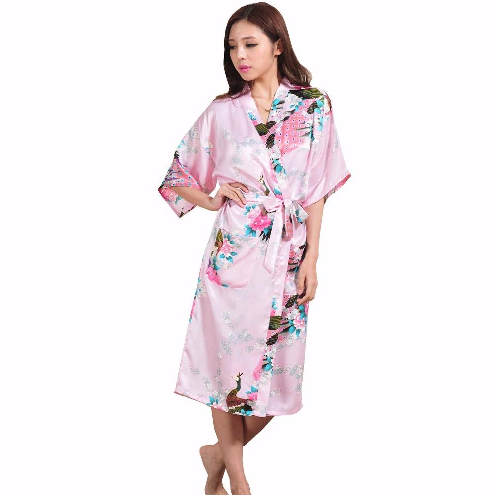 fe03307d8 Nova marca Rosa Senhora Chinesa de Seda Rayon Camisola Sleepwear Robe  Kimono Vestido Flor Da Dama de honra Do Casamento Plus Size S XXXL em  Vestes de Roupa ...