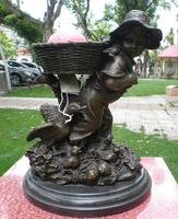 A basket of children like copper copper sculpture crafts jewelry boutique furnishings Home Furnishing bronze art world
