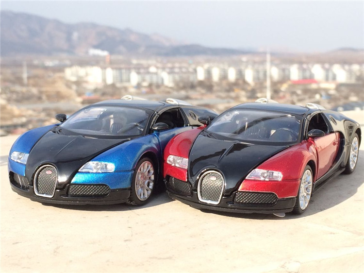 1:32 Scale Bugatti Veyron Alloy Diecast Car Model Pull Back Toy Cars Electronic Car With Flashing Kids Toys Gift Free Shipping