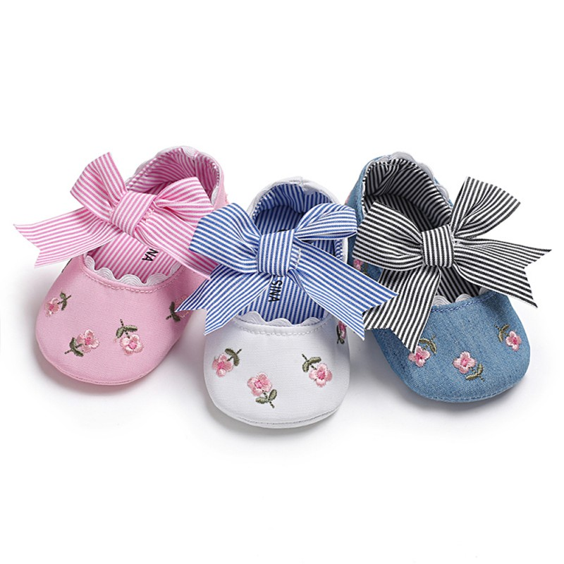Spring Toddler Baby Girls Embroidered Princess Shoes Bow Soft Sole Newborn Baby Moccasins Shoes