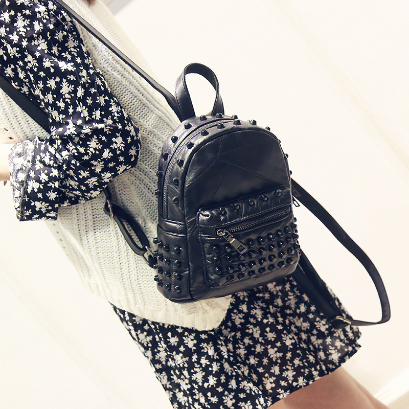 2017 women Genuine leather sheepskin double shoulder rivet mini backpack lady s small black zipper rivet