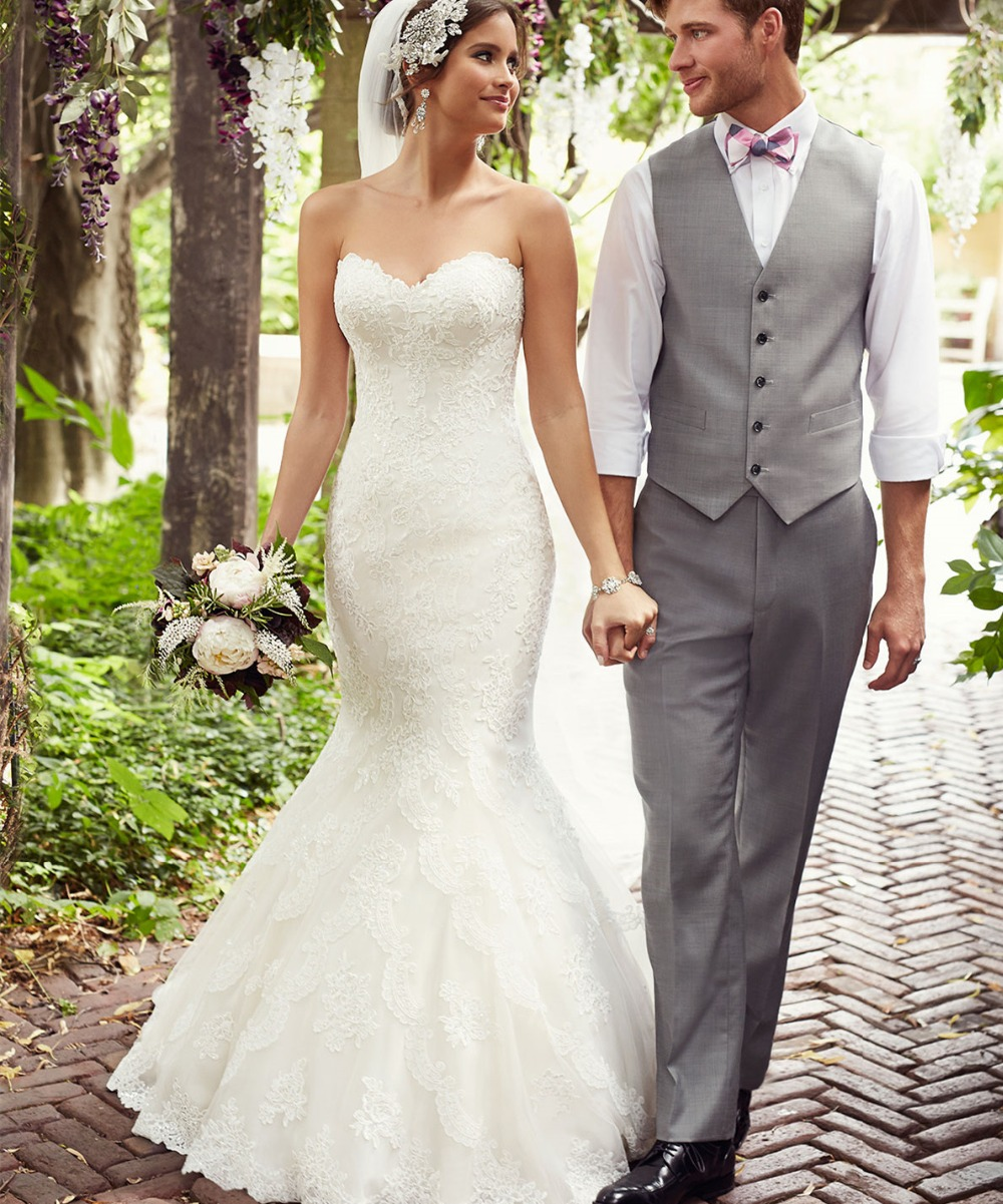 Lace Fit And Flare Wedding Gown: Stunning Strapless Lace Beading Fit And Flare Wedding