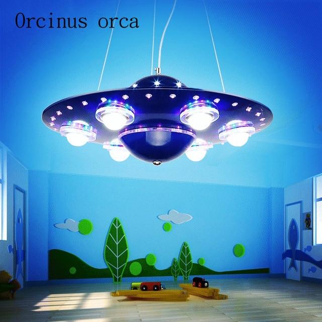 Kinderzimmer kronleuchter, kreative cartoon, fliegende untertasse ...