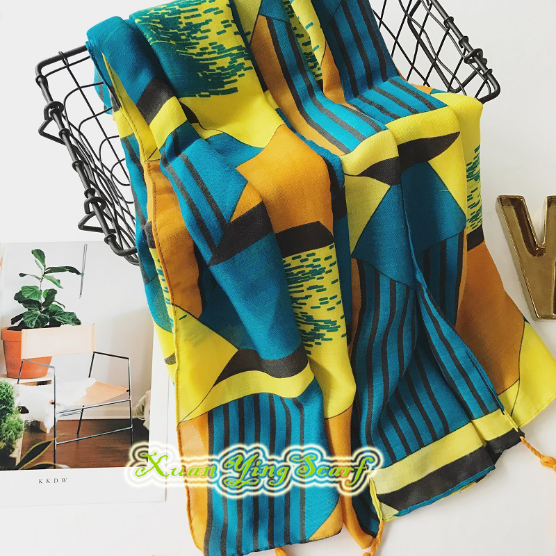 1PC 2018 New Design Ethnic Women Scarf Long Tassels Soft Women Shawls Casual Cotton Viscose Long Pashmina For Summer Traveling