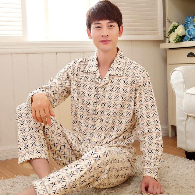 Alta Calidad Pijamas Traje Casual de Los Hombres Del Otoño Más tamaño Pijamas de los hombres Gira el Collar Abajo Pantalones de Marca ropa de Casa 142