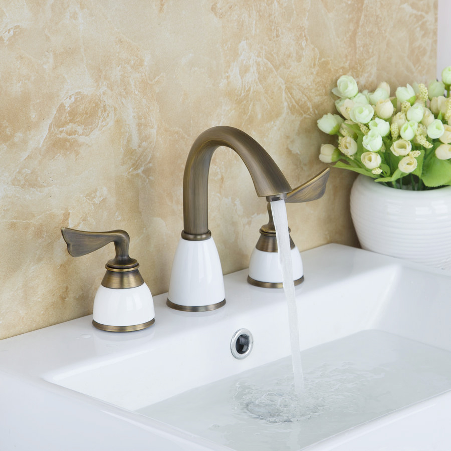 Bathroom Basin Sink Faucet Antique Brass Finish Deck Mounted Tap Stream Spout Faucet Hot & Cold Mixer Dual Handle antique brass three holes bathroom sink basin faucet mixer tap dual handle