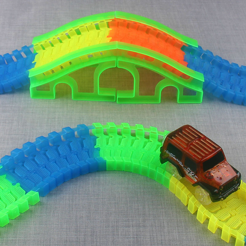 Flexible-Track-DIY-Toy-Slot-Car-Kit-with-LED-Light-Car-glows-in-the-dark-Racing-Track-Toys-Slot-Car-Gift-for-children-kids-4