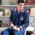 Мужчины пижамы толщиной 2017 новая зимняя мужчина фланелевые пижамы Коралловый Флис с длинными рукавами гостиная набор муж мода кнопки синий хаки