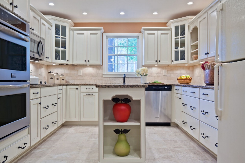 2017 Hot Sales New Design Classic Custom Made Solid Wood Kitchen Cabinets Matt Wooden Kitchen Cabinetery Skc1612017