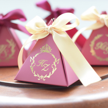 Free Shipping 100pcs lot custom logo unique diy Wedding favor chocolate gift packaging personalized candy box gifts boxes free shipping pencil shaped chocolate gifts 3d puzzle toy stickers 50g sweets and candy food candy box