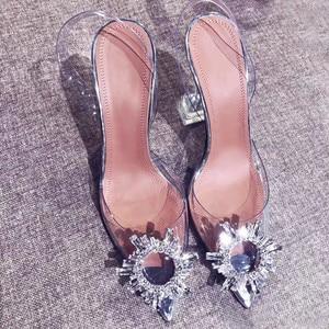 Image 3 - Meifeini 2019 여름 새로운 투명 여성 샌들 패션 우아한 젤리 스틸 신발 지적 라인 석 하이힐