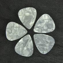 100pcs/lot Thin 0.46mm Celluloid Guitar Picks Plectrums White Pearl стоимость