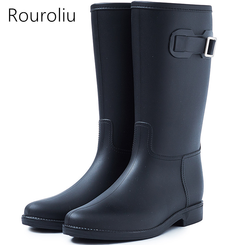 Rouroliu Women Non-Slip Mid-Calf Rubber Rain Boots PVC Waterproof Water Shoes Woman Wellies Buckle Dress Boots RB155 free drop shipping new vogue adult women fashion rainboots pvc rain shoes buckle water rubber boots wellies bargin price black