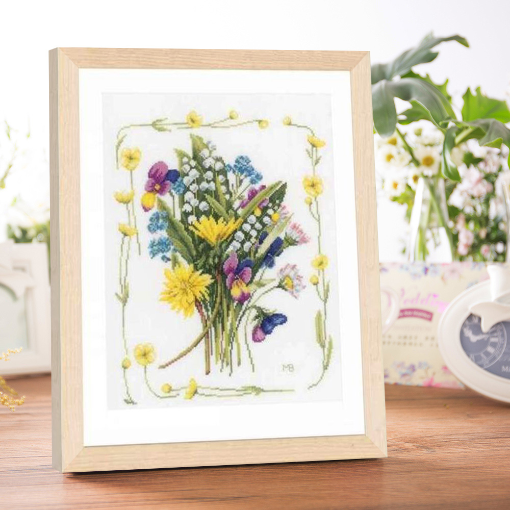 Flower bouquet cross stitch kit DMC brand thread animal dog count canvas fabric embroidery handmade needlework