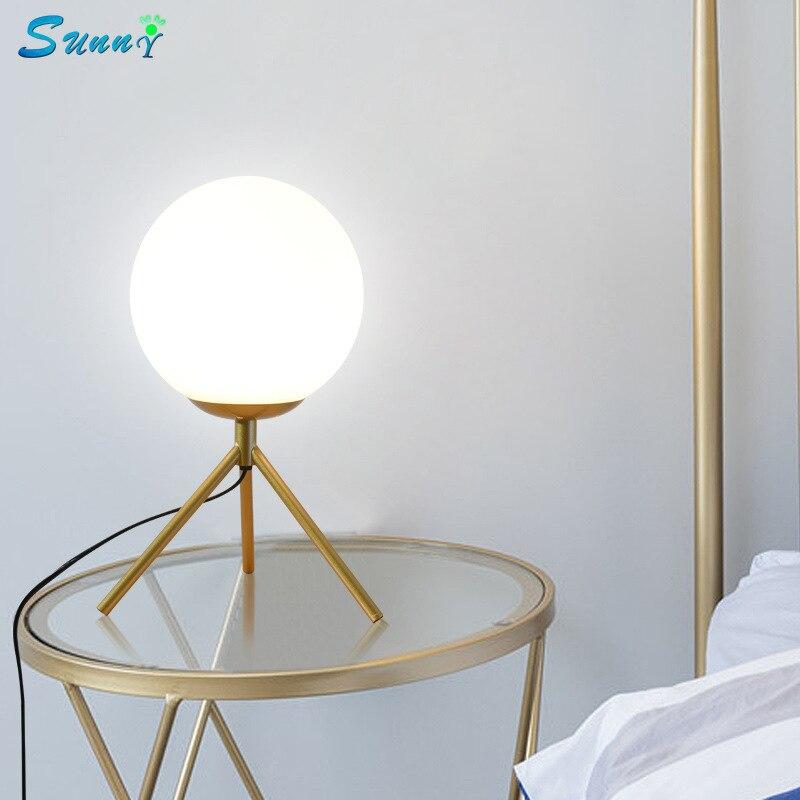 Moderne décor à la maison or trépied lampes de Table chambre lampe de chevet Stand boule de verre Led bureau lumière pour salon luminaires