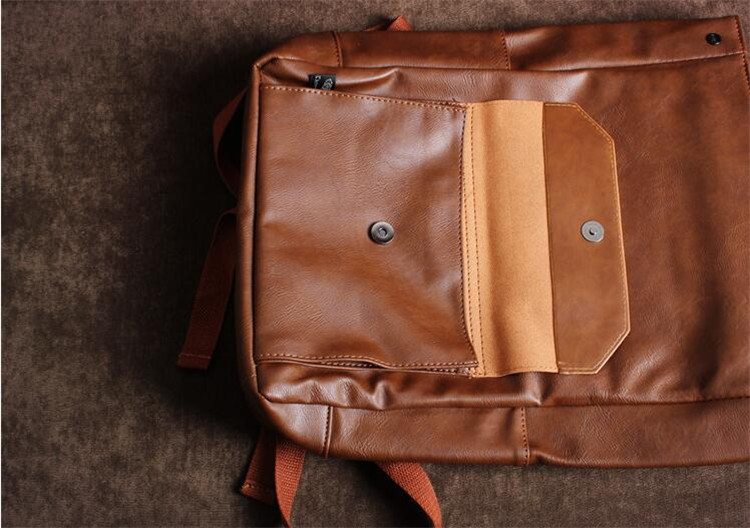 men leather backpack09
