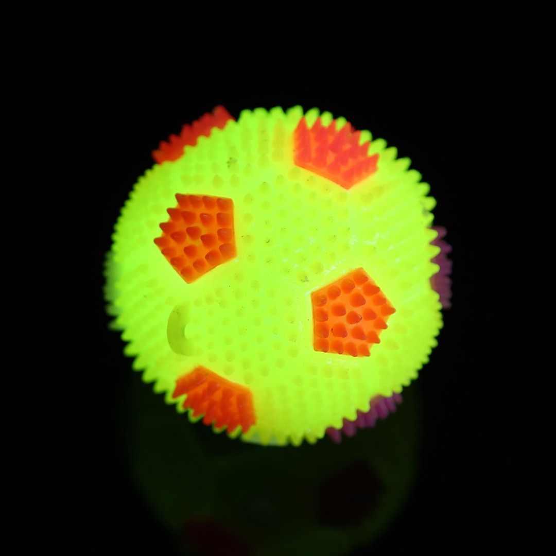 Шт. 1 шт. новейший мигающий светодио дный свет светодиодный футбол изменение цвета высокий прыгающий мяч с пупырышками для маленьких детей мальчики игрушки дети весело играть