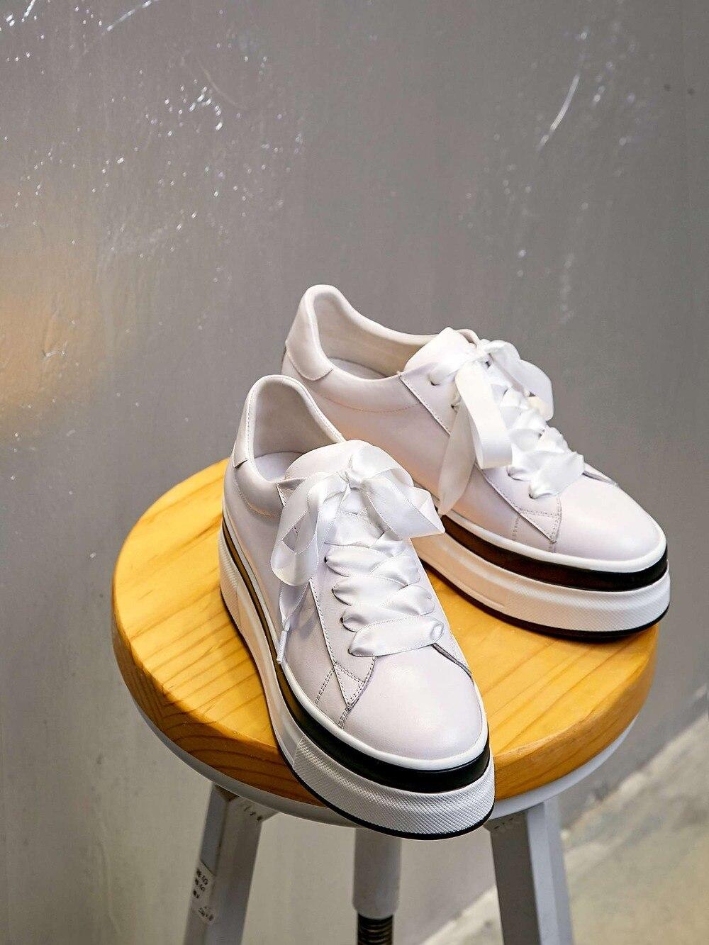 Véritable Plate Ruban Sneakers Bout forme Chaussures Lace Rond Up Cuir Lacent Fond Rose Épais Magnifique L6f3 Vulcanisé blanc Haute r7PYwOrq