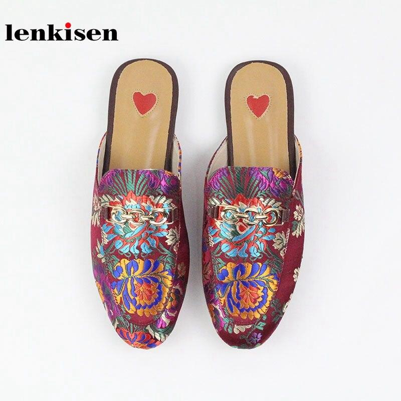 Lenkisen 2019 echt leder slip op buiten slippers oosterse borduren muilezels metalen decoratie streetwear fashion vrouwen schoenen-in Slippers van Schoenen op  Groep 2