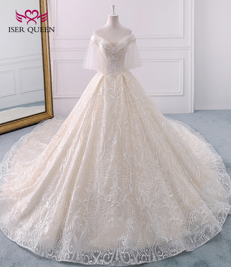 Long Royal Train Train White  Vintage Lace Wedding Dress Short Flare Sleeve Pearls Beads Ball Gown Wedding Dresses 2019 WX0121