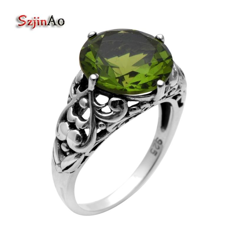 Oro Blanco Acabado Verde Esmeralda creado diamante corazón cortado Anillo Tamaño M 1//2