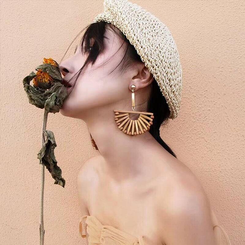 New Arrival Bohemian Seaside Holiday Fashion National Fan Shaped Sexy Earrings Female Retro Wooden Handmade Long