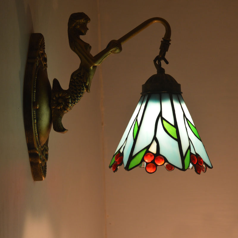 Tiffany Countryside Mermaid Wall Lamp Stained Glass Lampshade Wall Sconce Bedroom Bedside Mirror Cabinet Fixtures E27 110-240V tiffany baroque vintage stained glass iron mermaid wall lamp indoor lighting bedside lamps wall lights for home ac 110v 220v e27