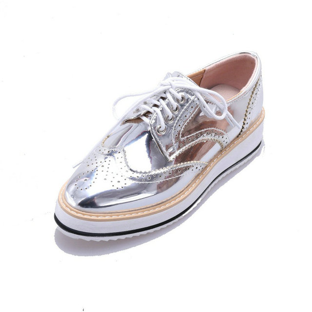 dffc561cb408 Silver Flats Women Lace-Up Oxford Brogue Shoes Creepers Platform Metallic  Gold Bullock Female Shoes Big Size 34-43 Zapatos Mujer