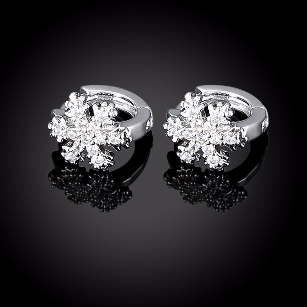 CHUKUI Christmas Jewelry Small Zirconia Snowflake Crystal Circle Hoop Earrings Gold Hoops Earings Bijoux Femme (5)