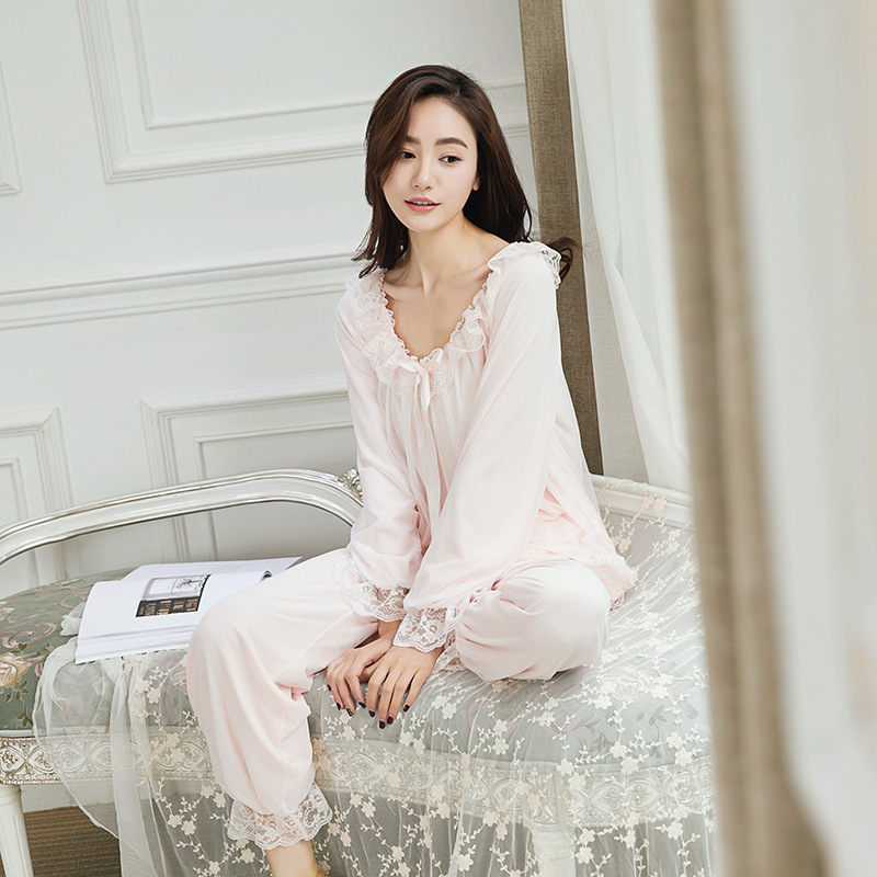 Palace princess   pajamas   Cotton   pajamas   Female spring Long sleeves Retro lace   pajamas     Set   Home suits
