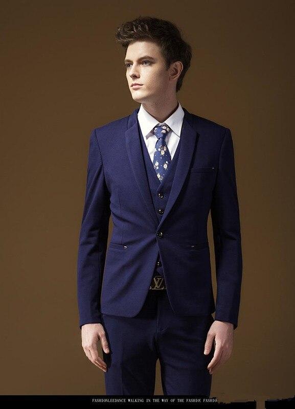 4c458bfa Juego de la boda del smoking para los hombres jóvenes Trajes para hombres  tailored prom Trajes (chaqueta + Pant + chaleco + TiE) en Trajes de La ropa  de los ...