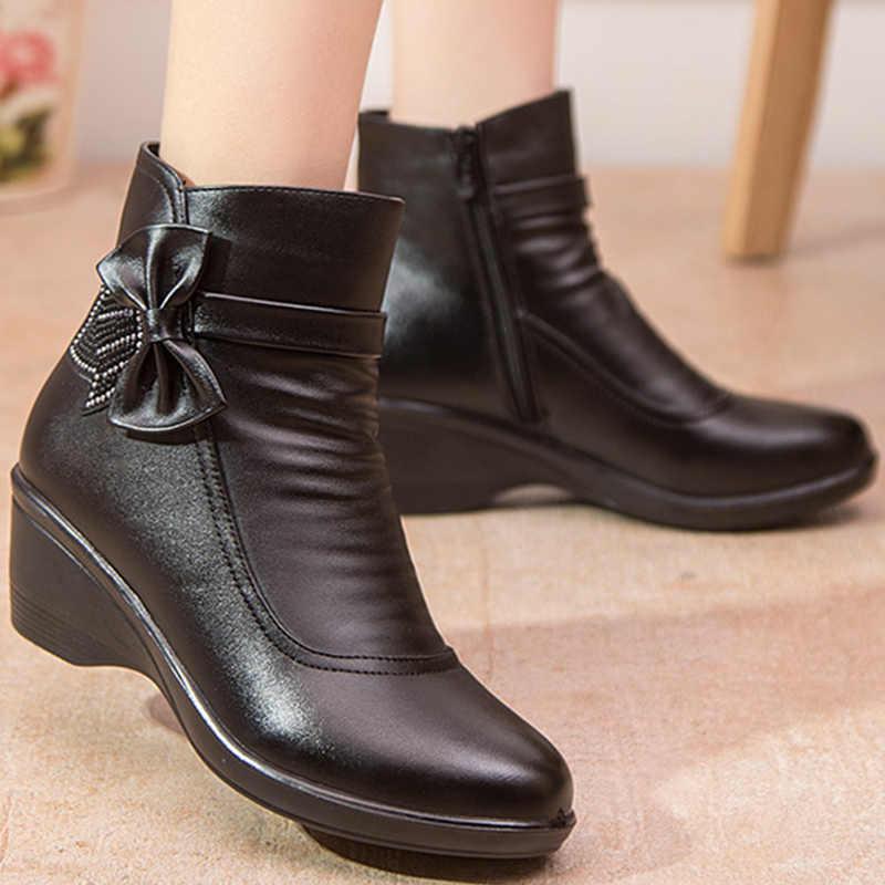Kadın çizme kelebek düğüm bölünmüş deri çizmeler kadın kış ayakkabı sıcak peluş yarım çizmeler siyah takozlar zip botines mujer 2019