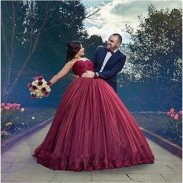 Vestidos de novia color vino tinto