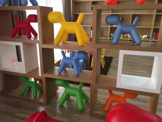 Modern Design Plastic Lovely Fashion Kids Plastic Chair Dog Chair Baby Puppy  Chair Children Plastic Toy Play Chair Small Size