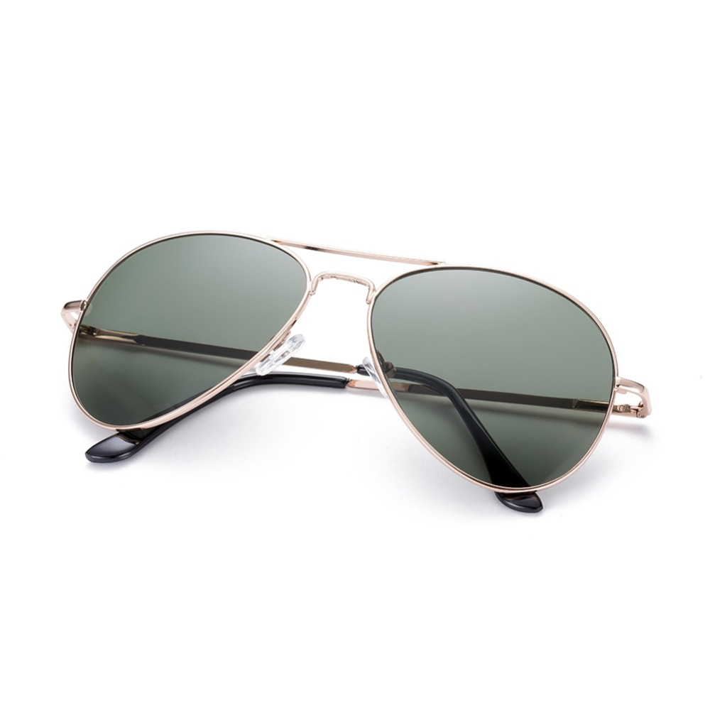 Cadeaux Pour Les Hommes 20 Cadeaux Votre Mari Vont Adorer furthermore Ray Ban Pilot Aviator moreover Ray Ban further 57 Great Fall Outfits On The Street 2015 further Photo Douglas Macarthur. on la vintage ray ban aviators