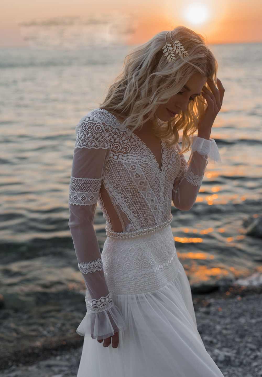 2019 בוהמי חתונת שמלות V צוואר ארוך שרוולי תחרת אפליקציות כלה שמלות חוף קו חתונת שמלת חלוק דה Mariee