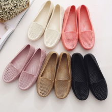 Summer beach mother shoes breathable hole female shoes flat-bottomed sandals quinquagenarian all-match women's flat heel shoes