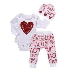 Conjunto de roupas com 3 peças para meninas, roupas casuais para bebês recém-nascidos, macacão com corações, calça e chapéu