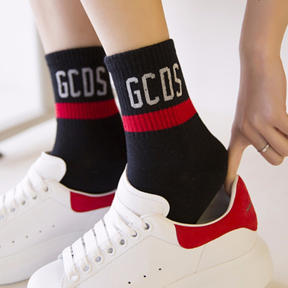 Women Letter Cottons Socks Autumn 2017 New Breathable In The Tube Socks Fashion Casual Socks GCDS White Black Gray  Ankle Socks