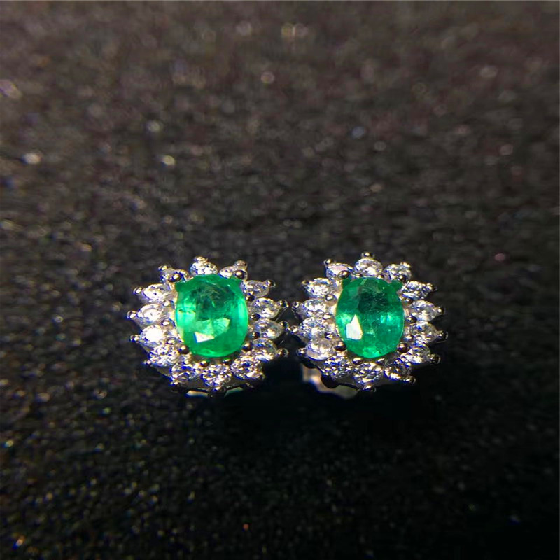 все цены на Vintage emerald stud earrings 3*5mm natural emerald silver earrings solid 925 sterling silver emerald earrings romantic gift онлайн
